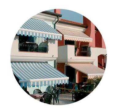 Store banne semi-coffre Vénèzia